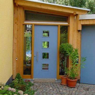 Haustür mit 2 Seitenteilen und schrägem Kipp Oberlicht / Leverkusen