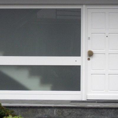 Haustür mit breitem Seitenteil / Radevormwald