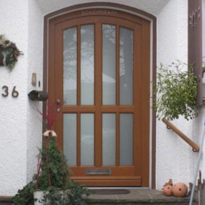 Haustür mit Stichbogen / Odenthal