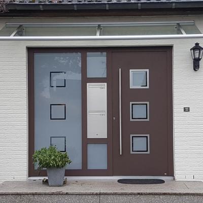 PaXentrée Aluminium Haustür mit Vordach / Wuppertal-Beyenburg